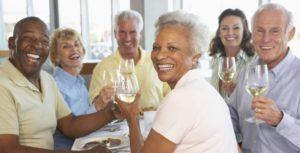 les seniors peuvent très bien acheter des parts de SCPI de rendement pour préparer sa retraite