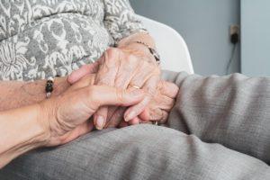 Comment s'occuper des seniors?