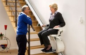 monte escalier pour seniors - image