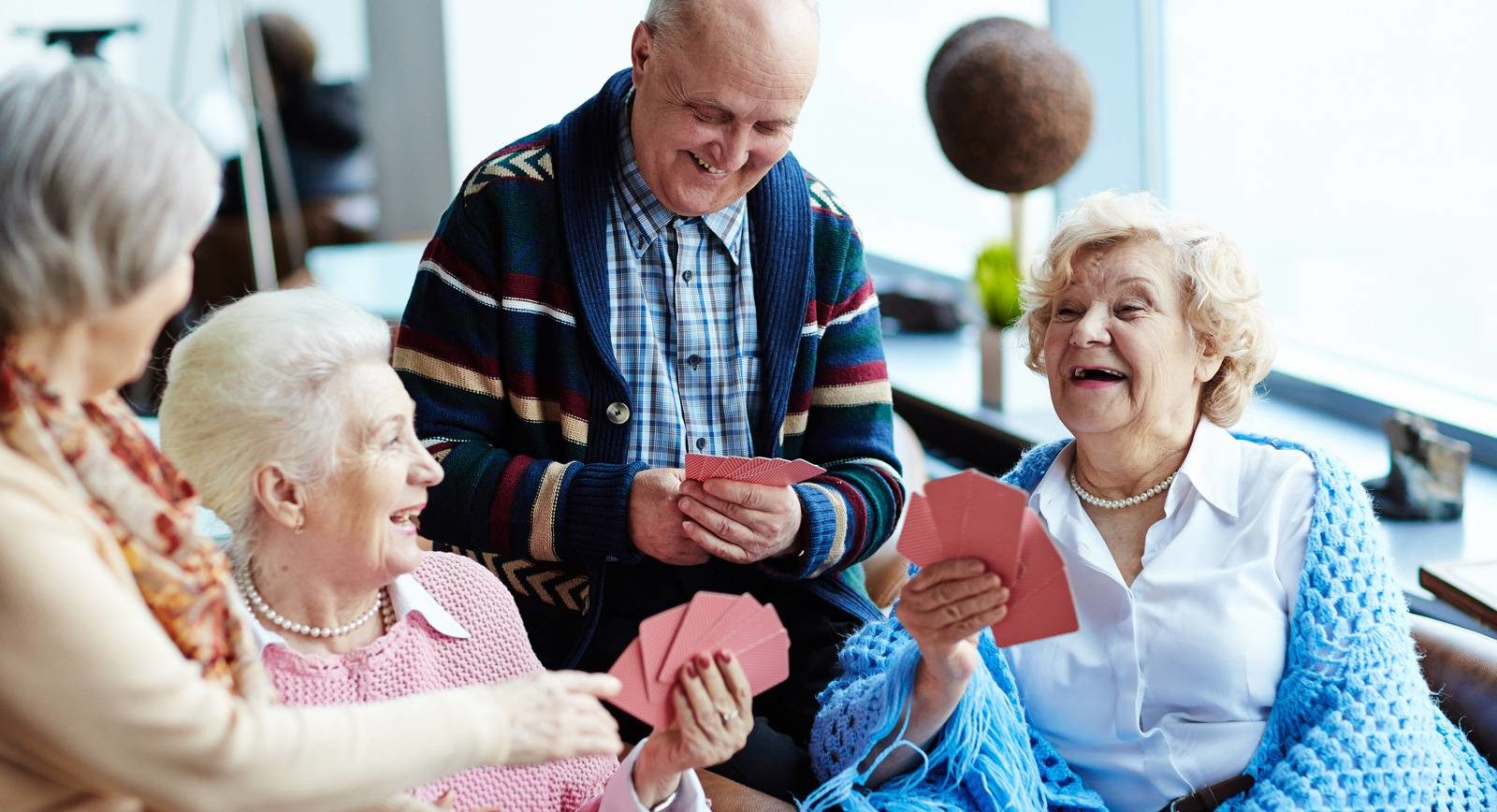 loisirs préférés des seniors - image