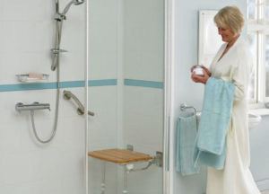 équiper la salle de bain pour seniors - image